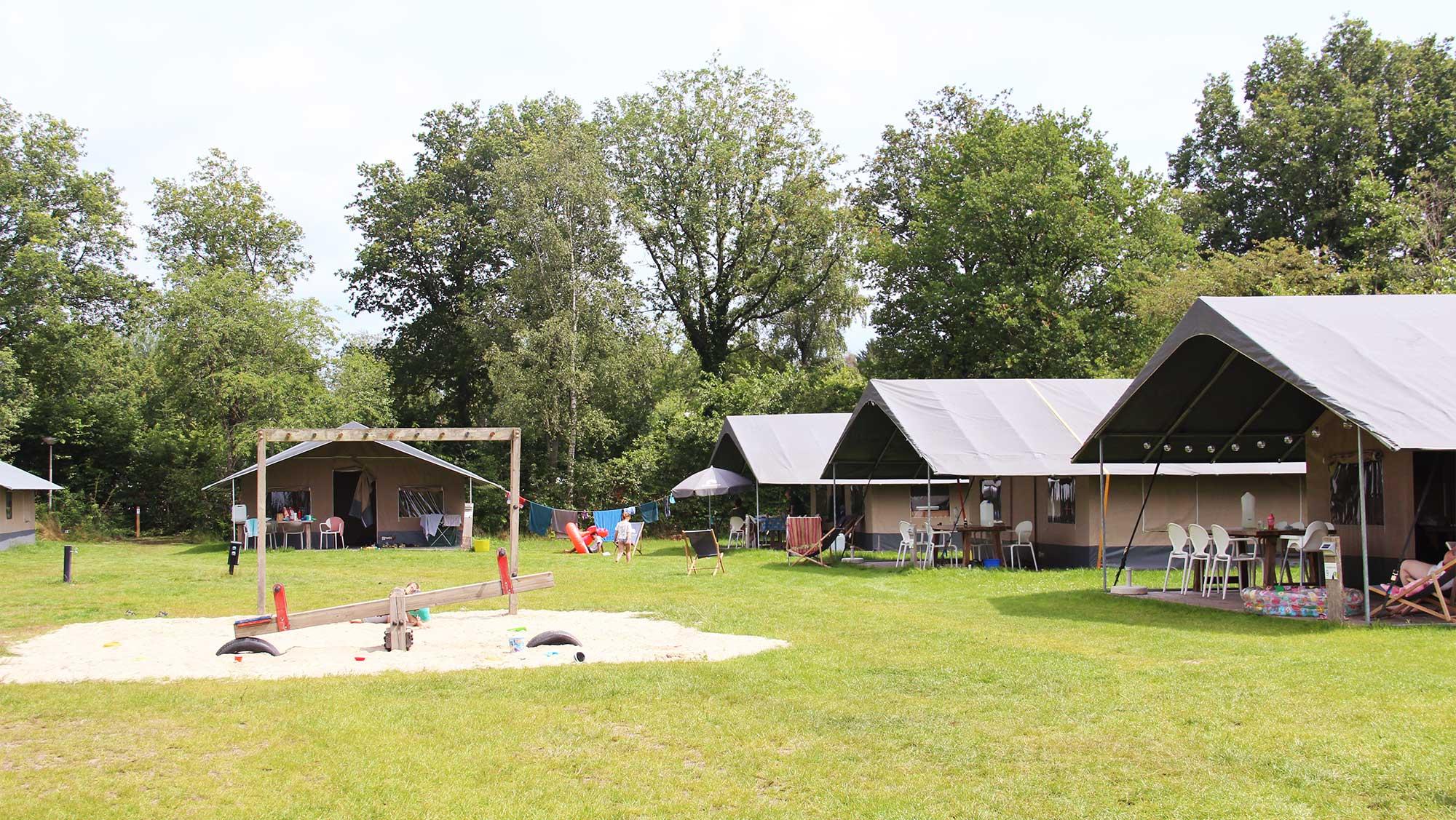 6pers ingerichte Hunebed tent Molecaten Park Het Landschap 01