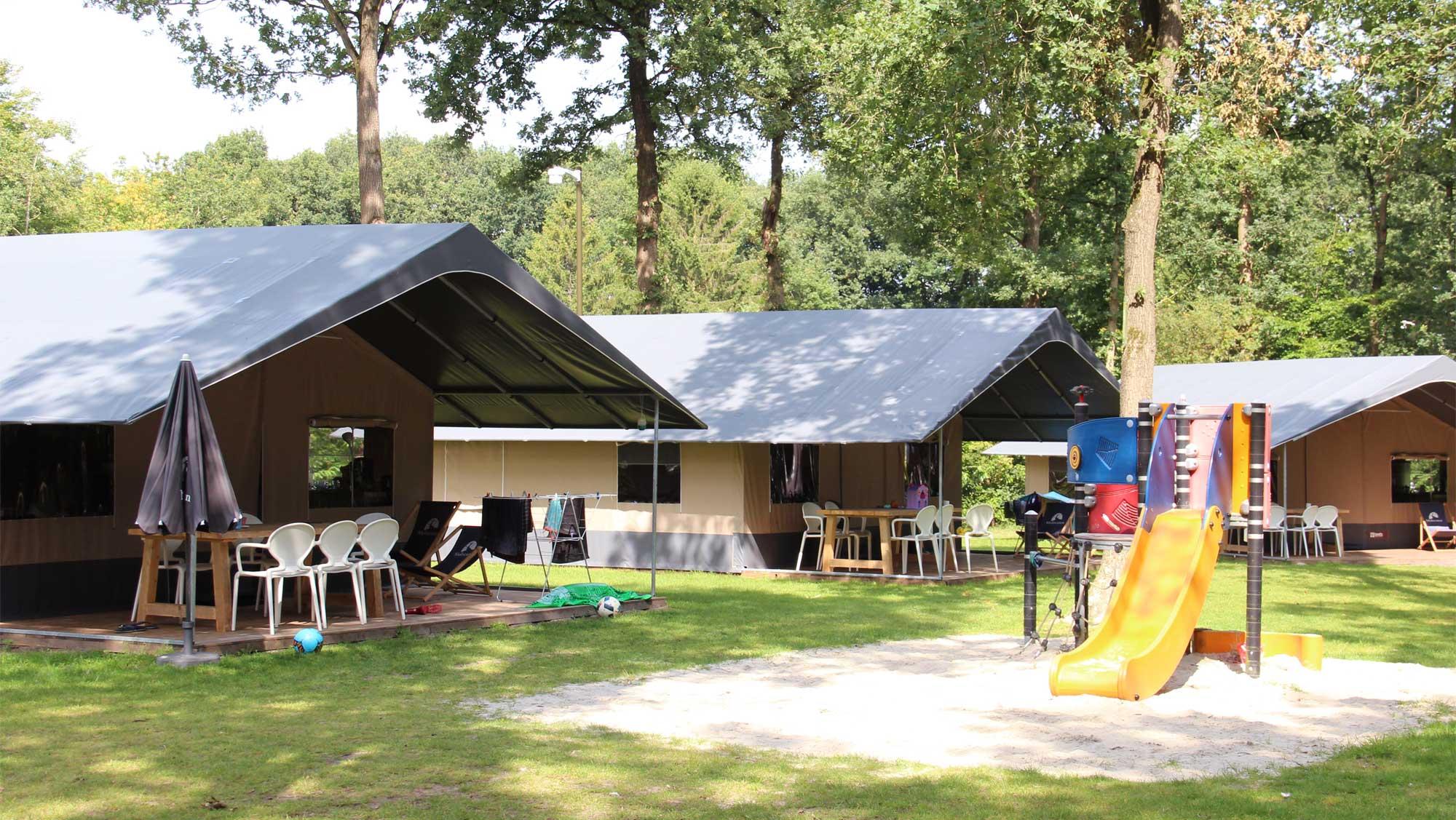 6pers ingerichte Fryske tent Molecaten Park t Hout 01