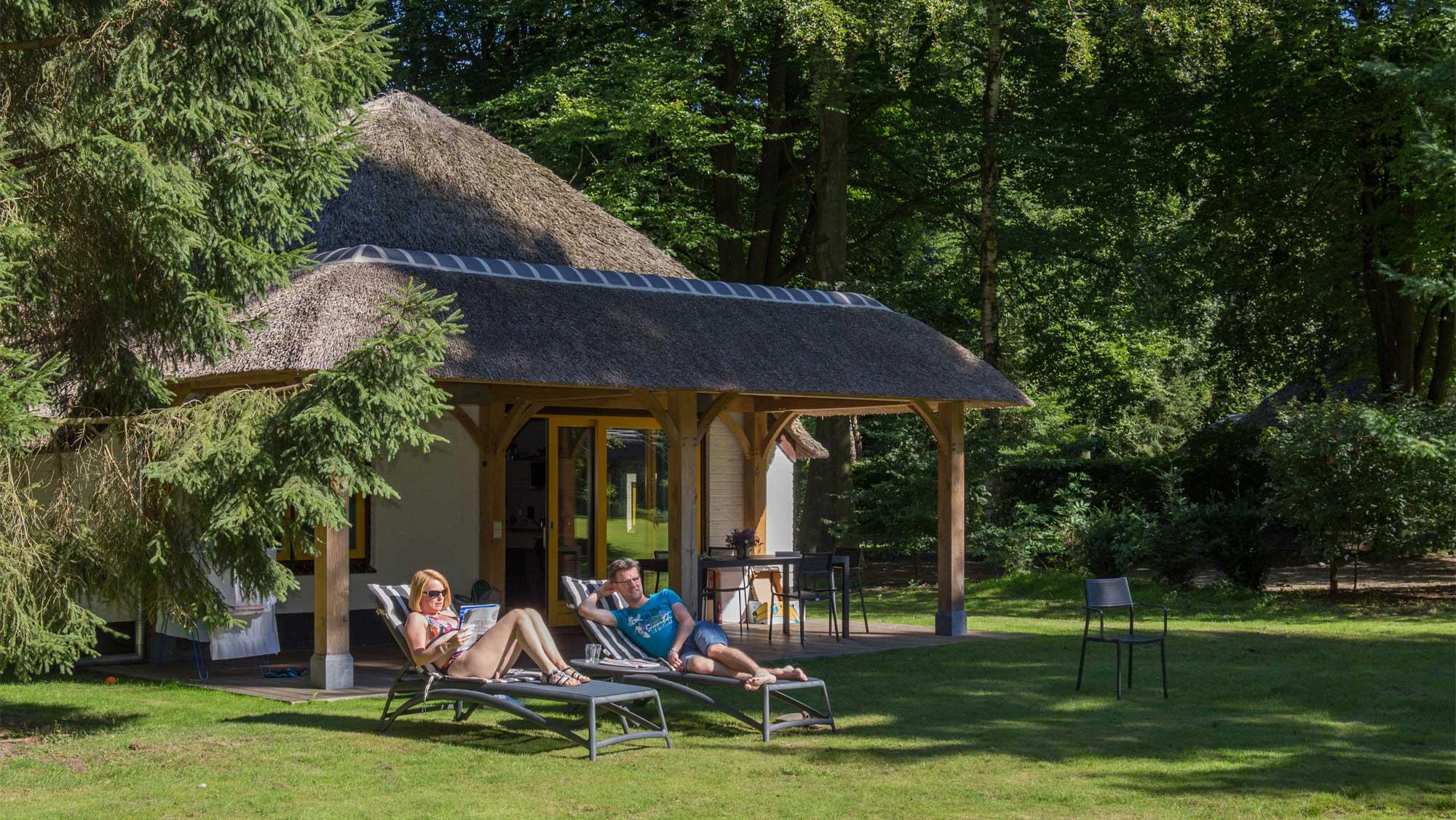 6pers bungalow Buitengoed Molecaten Park De Leemkule 01