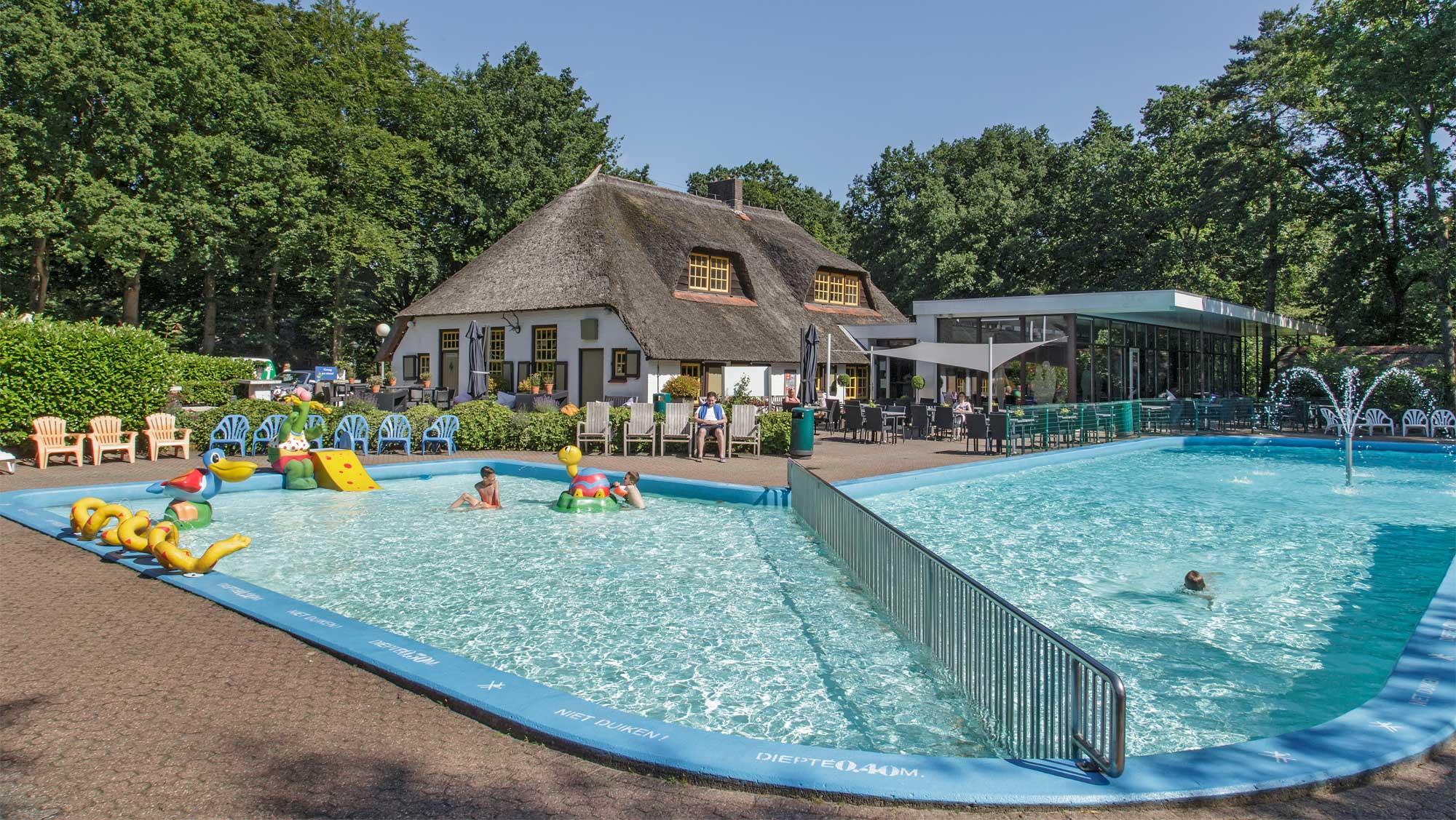 Molecaten Park De Leemkule 03 buitenzwembad