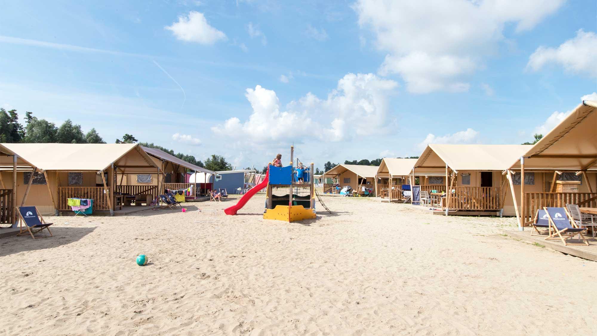 5pers Safari Lodge tent Molecaten Park Flevostrand 01