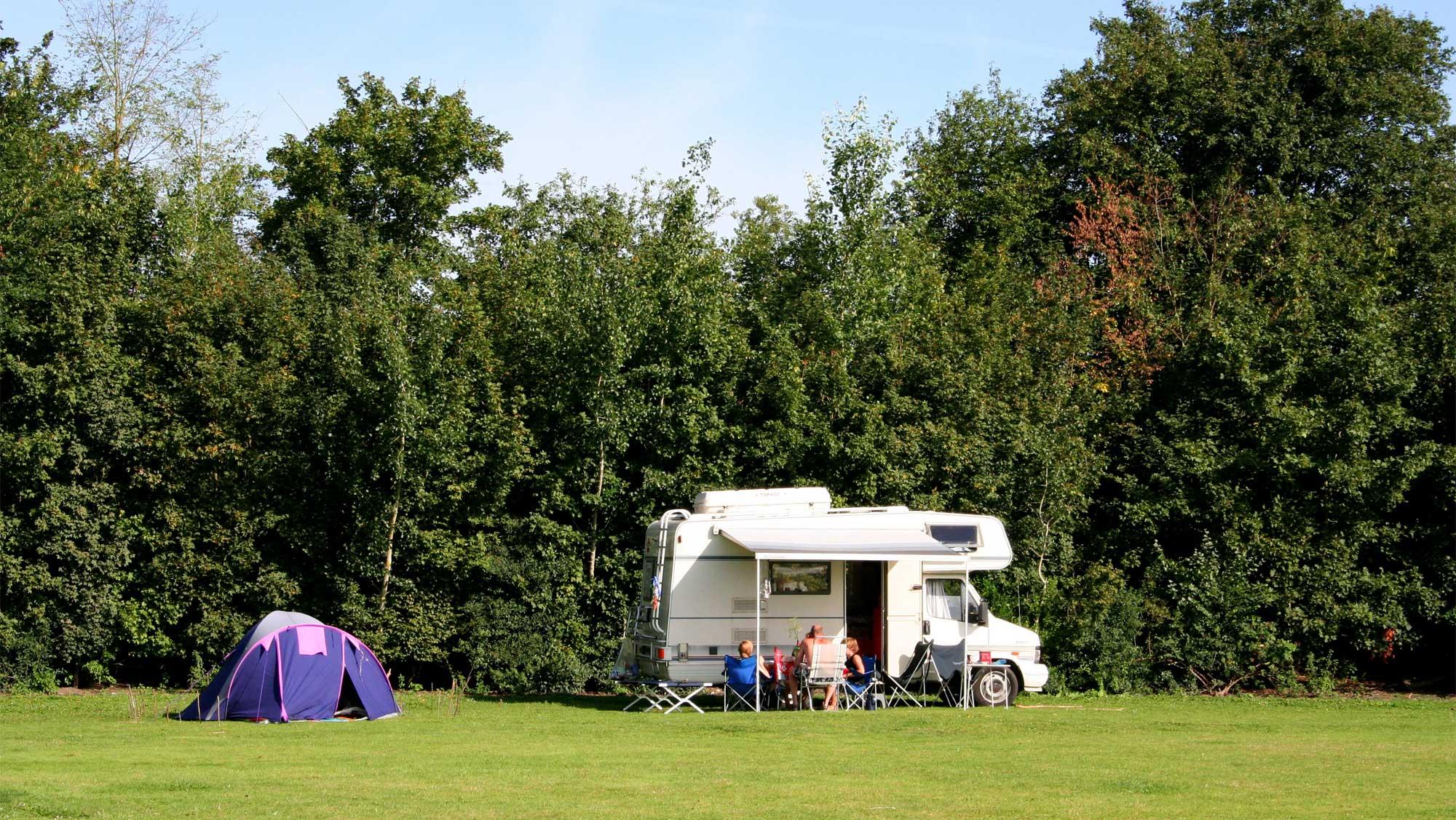 Campercomfortplaats Molecaten Park t Hout 01
